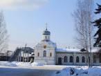 Церковь Николая Чудотворца (Свято-Никольская) при железнодорожном вокзале провожает нас домой