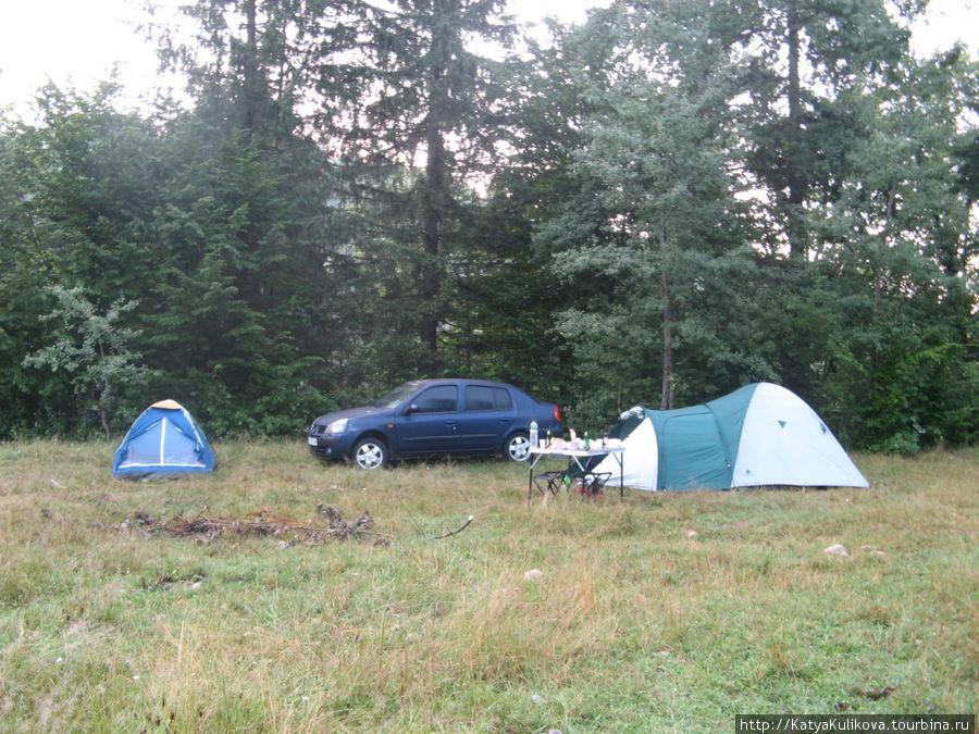 Наш лагерь в утреннем свете