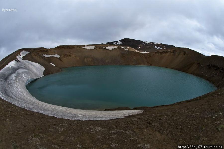 Озеро Вити у вулкана Крафла