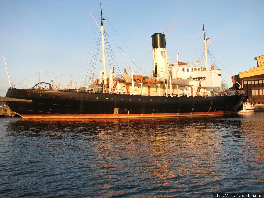 Корабль в заливе