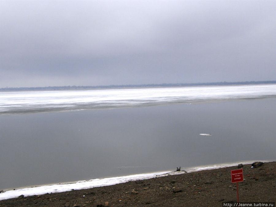 На Амуре ещё лёд...