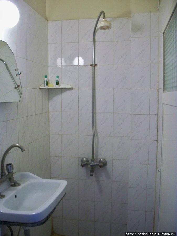 Санузел в номере. Туалет на этаже.