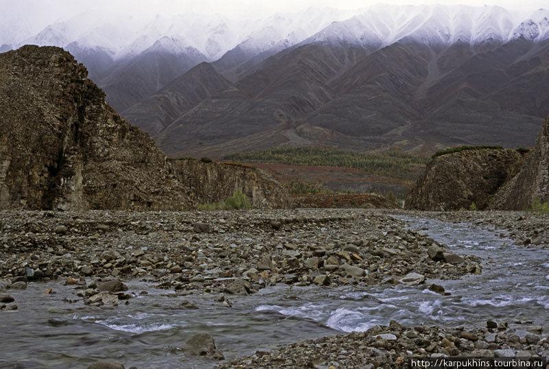 На выходе из каньона Правого Ниткана. Впереди долина Ниткана.