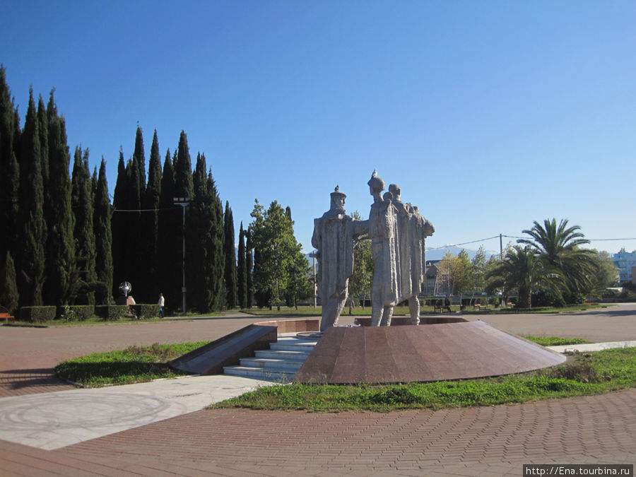 Парк Победы и монумент