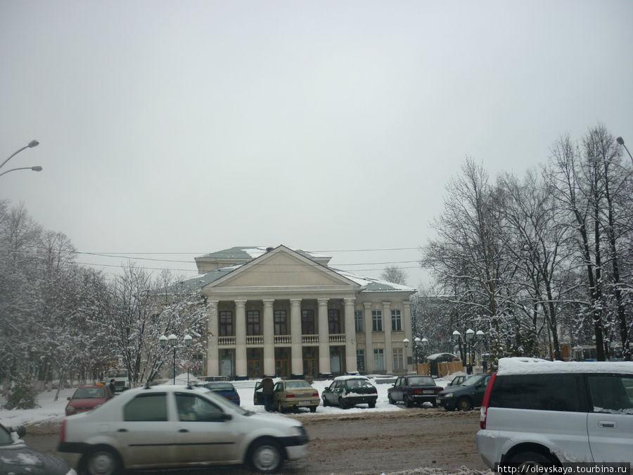 Здание Театра для детей и молодежи