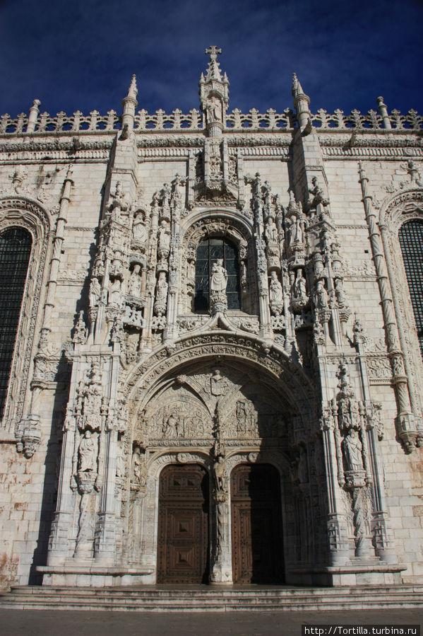 Лиссабон, Белен Монастырь Жеронимуш [Mosteiro dos Jeronimu] — Южный портал