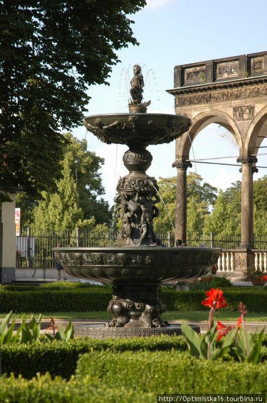 Поющий фонтан. Фото из интернета.