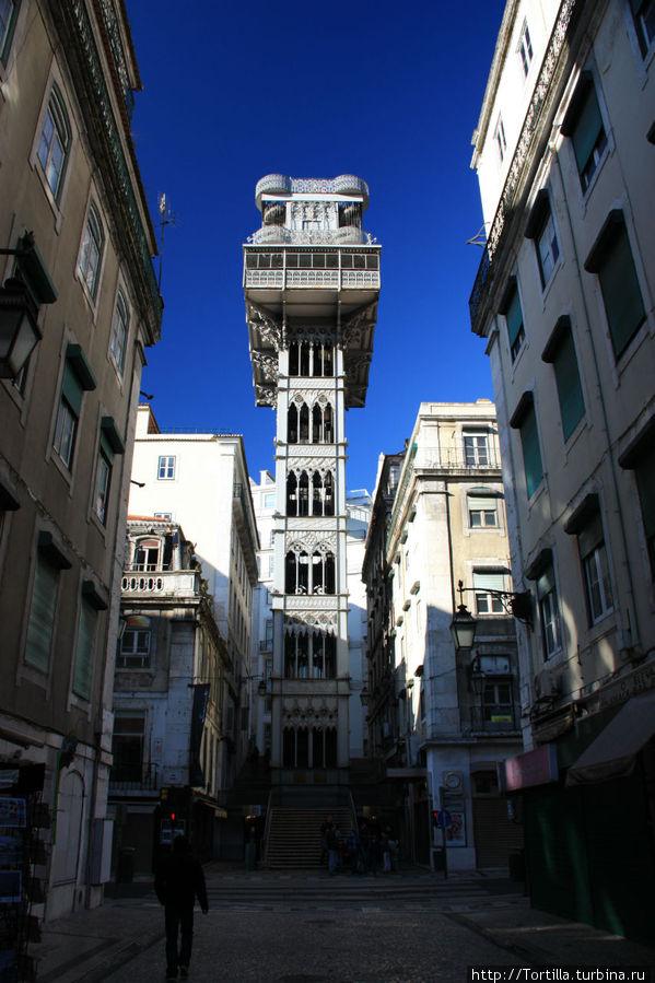Лиссабон. Подъемник Санта Жуста