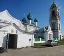 Воскресенская церквь в Чёрной Заводи. Некасовский район Ярославской области.  Кирпичная церковь, построенная в 1763 при помощи графа Г. И. Головкина.  В 1930-х была закрыта, но в 1945 возвращена верующим, более не закрывалась.