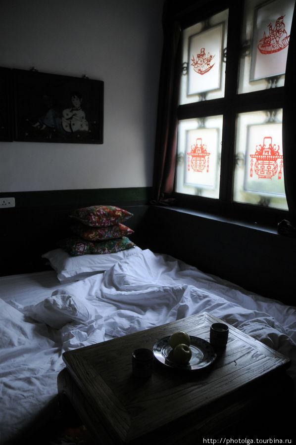 Кровать на 15 человек.