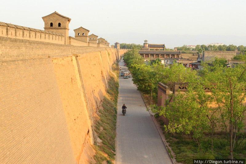 Стена Пинъяо протяжённостью около шести километров Пинъяо, Китай