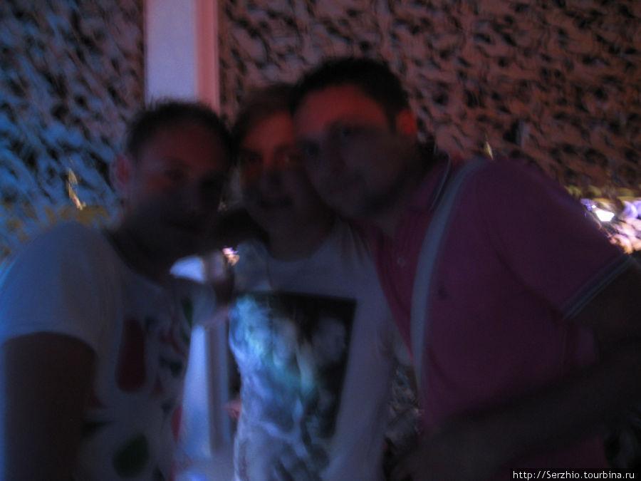 В центре Мартин Крапивницки, справа я