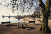 А вот и сам Констанц. Берег озера Bodensee. Фото сделано утром, поэтому людей еще нет:) Как все чисто и ухоженно!