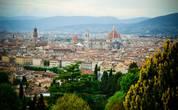 У базилики было много студентов-художников, некоторые из них делали зарисовки самой базилики, а кто-то рисовал потрясающие виды Флоренции, открывающиеся отсюда. Вдоволь насмотревшись на Флоренцию со стороны, и тщательно изучив купол   Собора Дуомо, было решено возвращаться обратно в исторический центр.