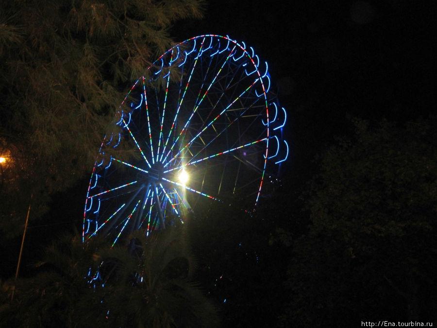 Вечернее колесо обозрения