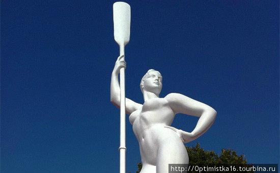 Это — вновь установленная скульптура