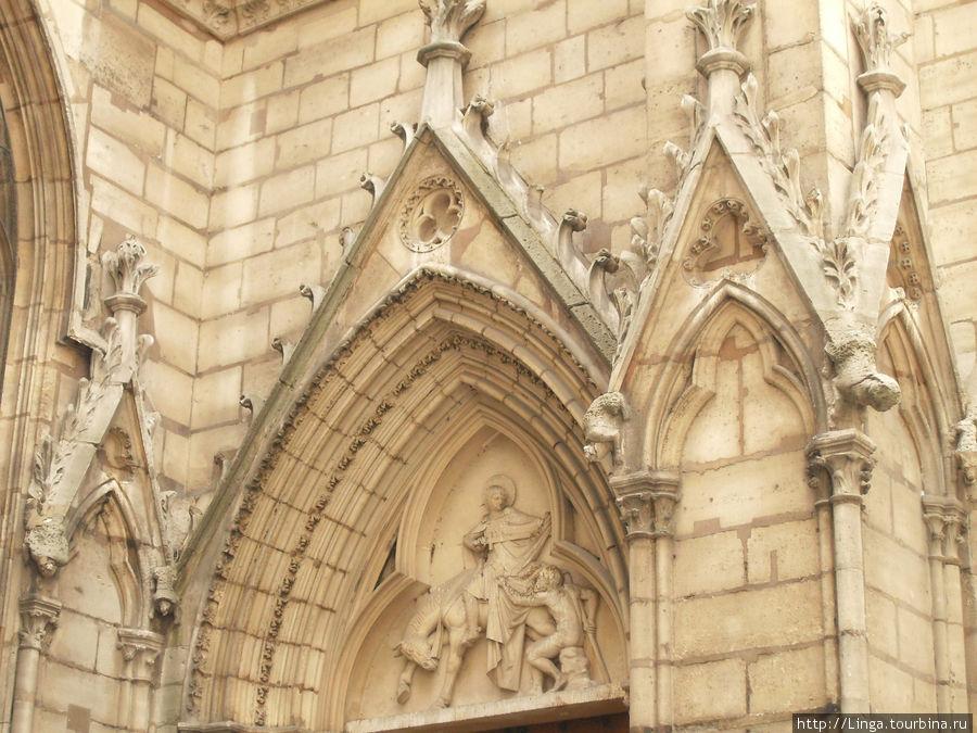 Святой Мартин из Тура — покровитель путешественников.