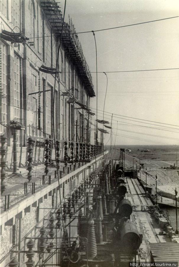 Трансформаторы на Рыбинской ГЭС. 1946 год