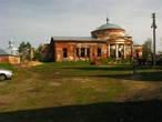 Тихонько во дворе. Церковь Николая Чудотворца (снимок исподтишка)