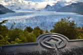 Добирались мы до этого чуда из маленького городка Эль Калафате, который находится на самом юго-западе аргентинской Патагонии. Сам ледник находится в национальном парке Лос-Гласиарес — на огромнейшей территории которого располагается южная часть Патагонского ледника. Сам ледник протянулся по Андам вдоль границы Аргентины и Чили и хранит в своих недрах третий по величине запас пресной воды в мире! Не удивительно, что эта территория с ее ледниками была включена в список объектов Всемирного наследия ЮНЕСКО..
