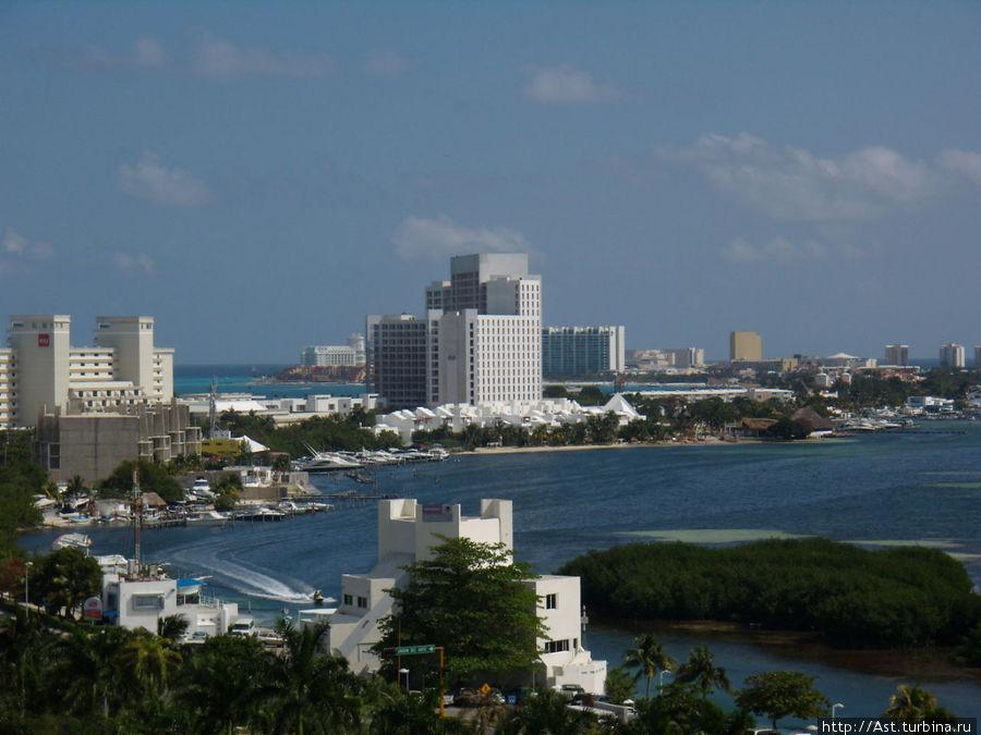 Канкун с высоты. Красиво правда?
