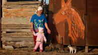 «Портрет красного коня». Произведение местного живописца.  Зарисовка из жизни поселка Забурунье
