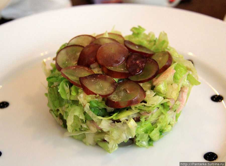 Салат из тунца с виноградом — приятное сочетание
