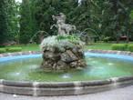 И фонтан прелестный