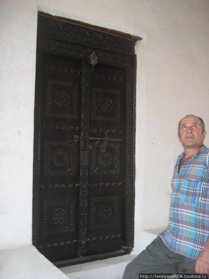 Дверей и ворот — великое множество.