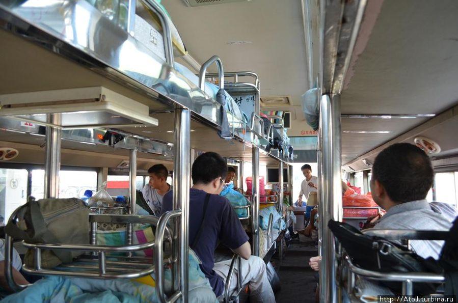 Внутренности автобуса