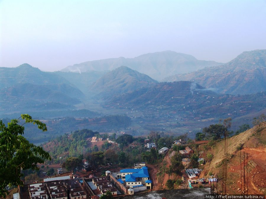 Вид на долину Мади с балкона Mohan Guesthouse