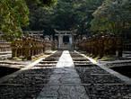 В храме Токодзи (фамильное кладбище клана Мори)
