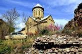 На территории крепости находится храм Святого Николая, датированный XII столетием.