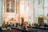 Внутреннее убранство базилики.