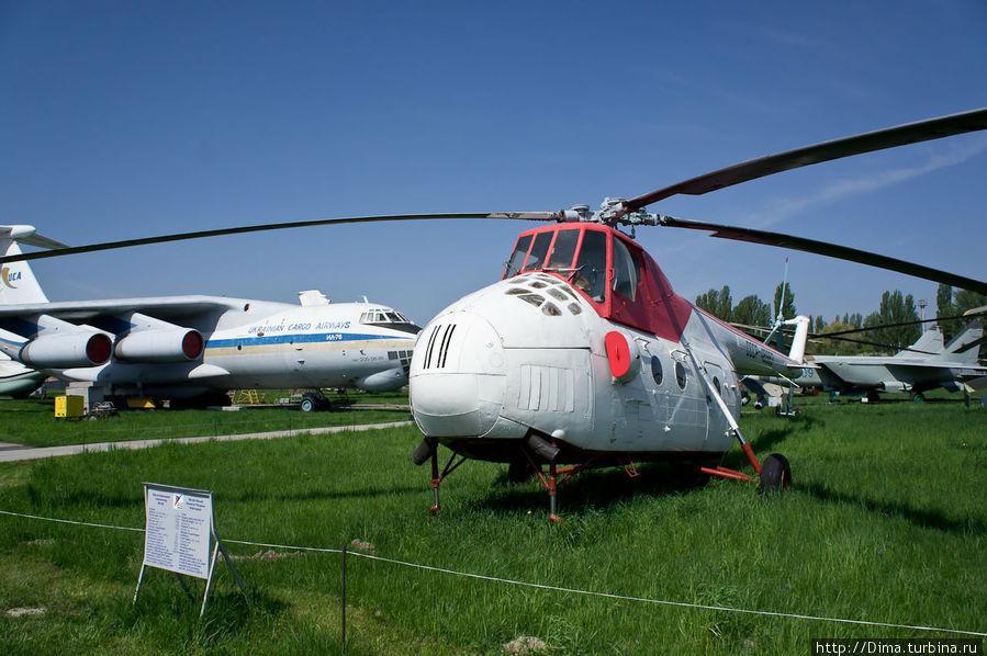 Немного страшненький вертолёт Ми-4