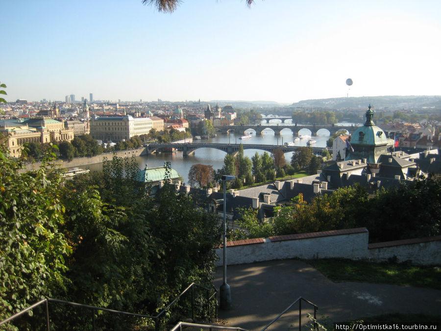 Вид на город от Ганавского павильона.