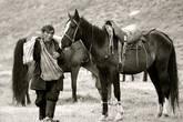 Под седлом и вьюком казахская лошадь чрезвычайно вынослива и неутомима, способна проходить в день, питаясь только пастбищным кормом, 80-90 км.