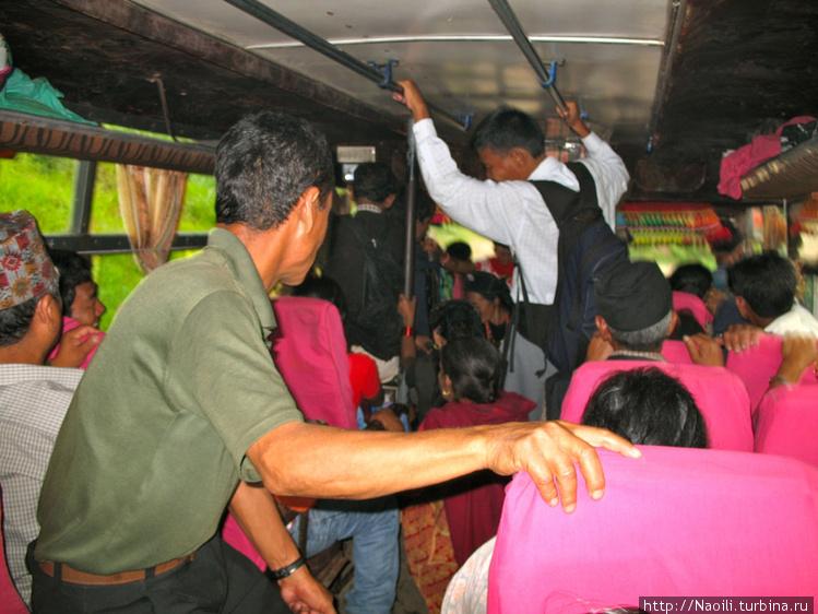Автобус полон народу: сид