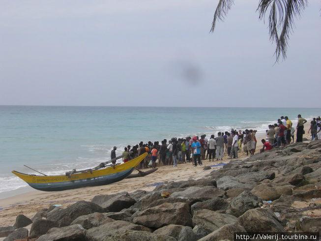 Рыбаков встречают, как национальных героев ...