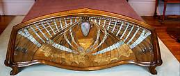 Кровать работы Эмиля Галле, 1904 г., палисандр, эбеновое дерево, перламутр, стекло.