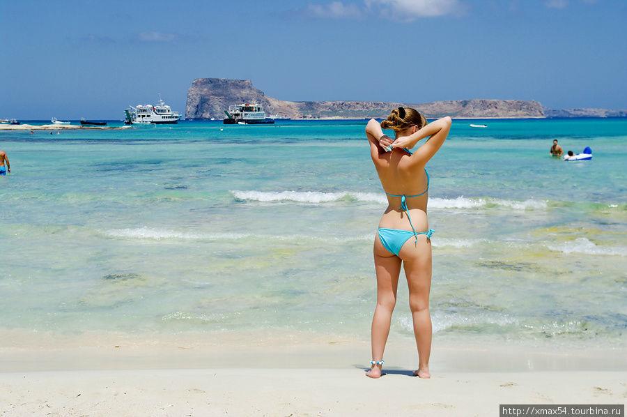 Картинки по запросу фото девушка на пляже о.Крит