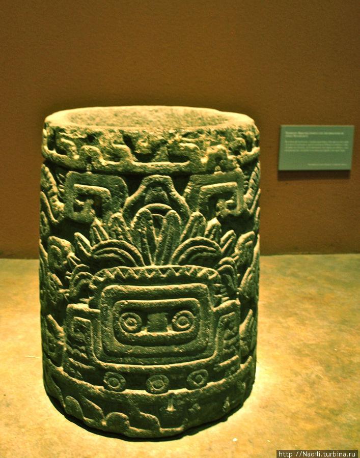 элемент колонны в стиле Ксочикалько