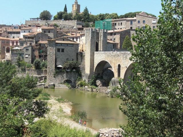 Бесалу - путешествие в средние века! Бесалу, Испания