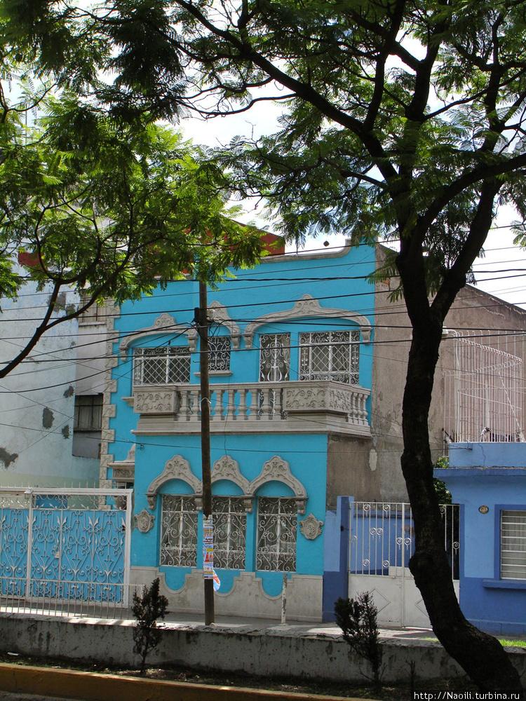 Приятный домик голубого ц