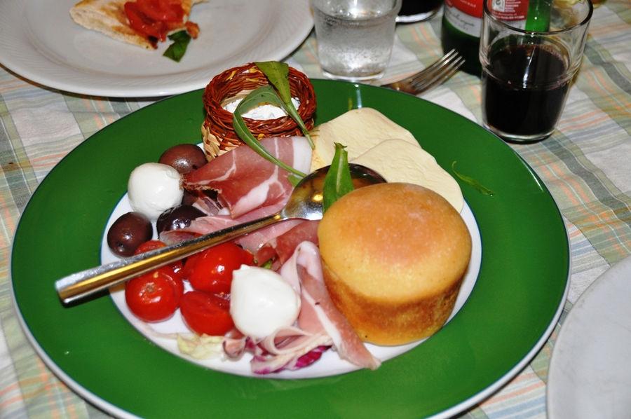 Trattoria Medina - Поесть по-неаполитански