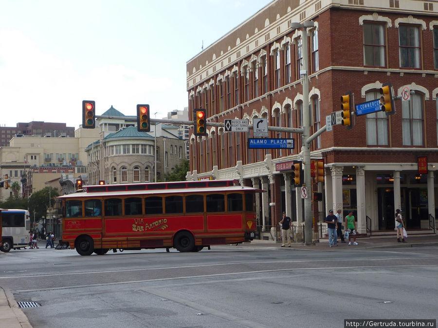 Один из городских автобус