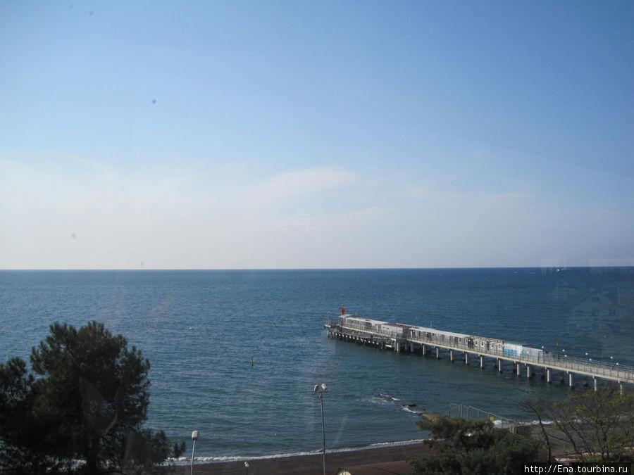 Вид на море с колеса обозрения