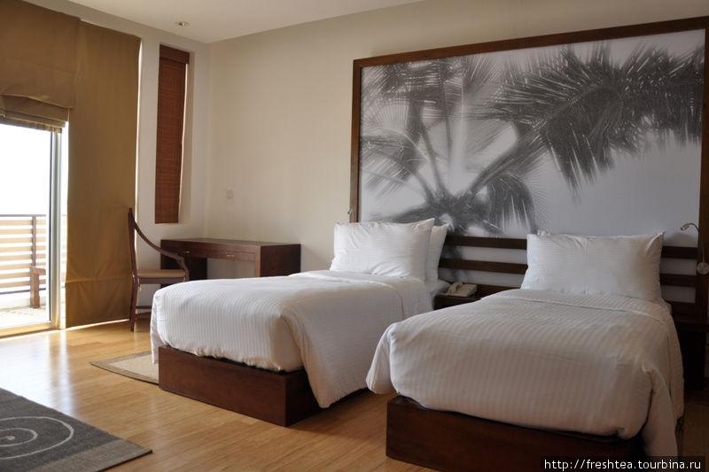 В номере Deluxe (в правом крыле отеля, 2-3 этажи).