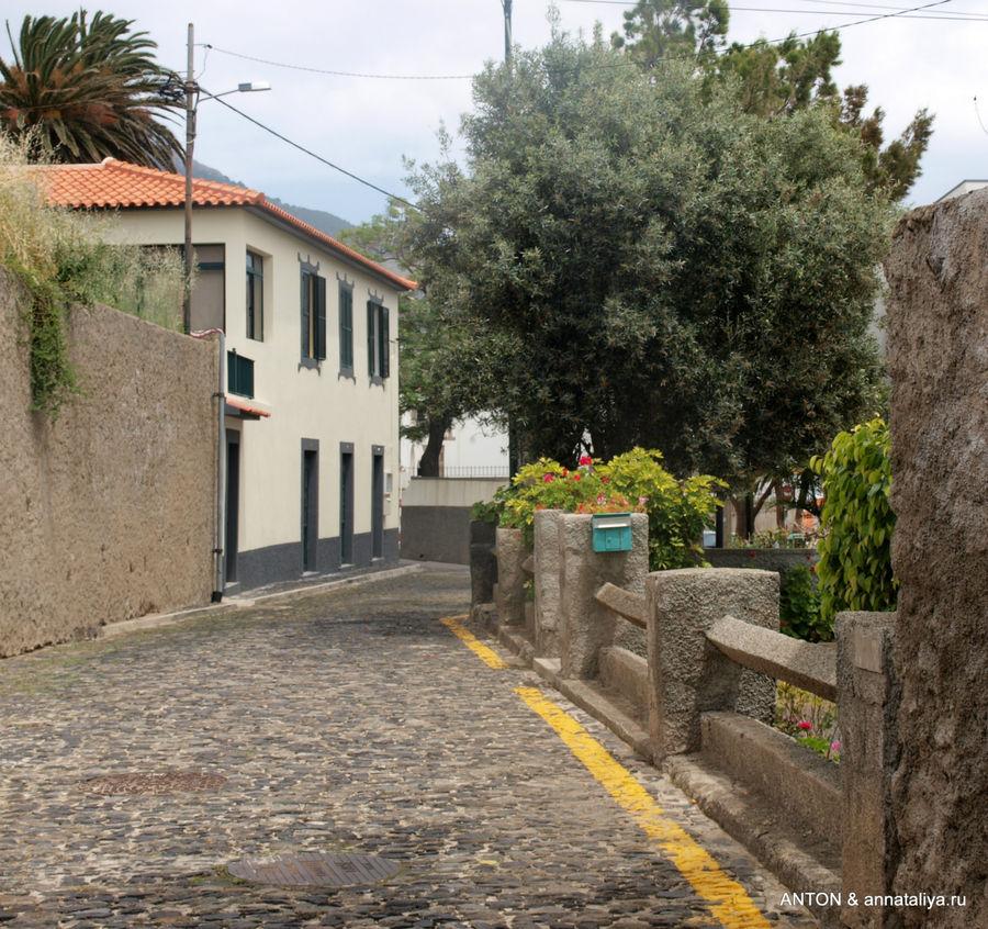 Улочка в Вила-Балейра.