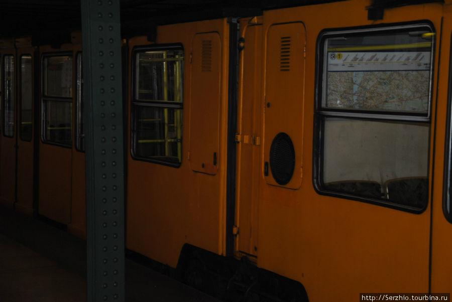 поезд на Жёлтой линии №1